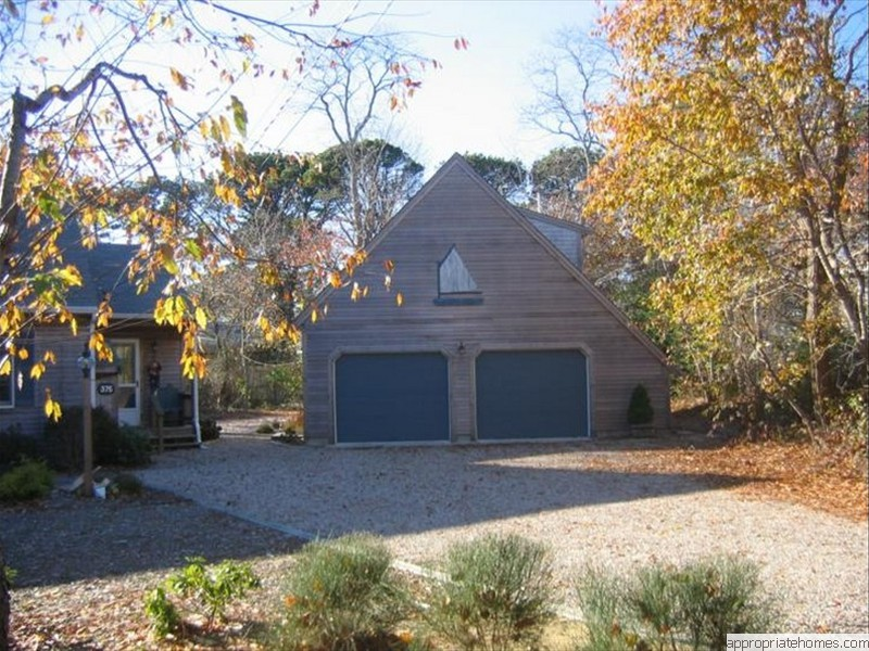 Orleans-saltbox-style-two-car-garage
