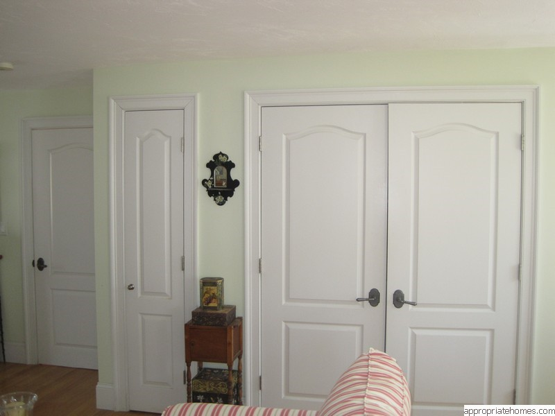 bedroom-arc-style-doors