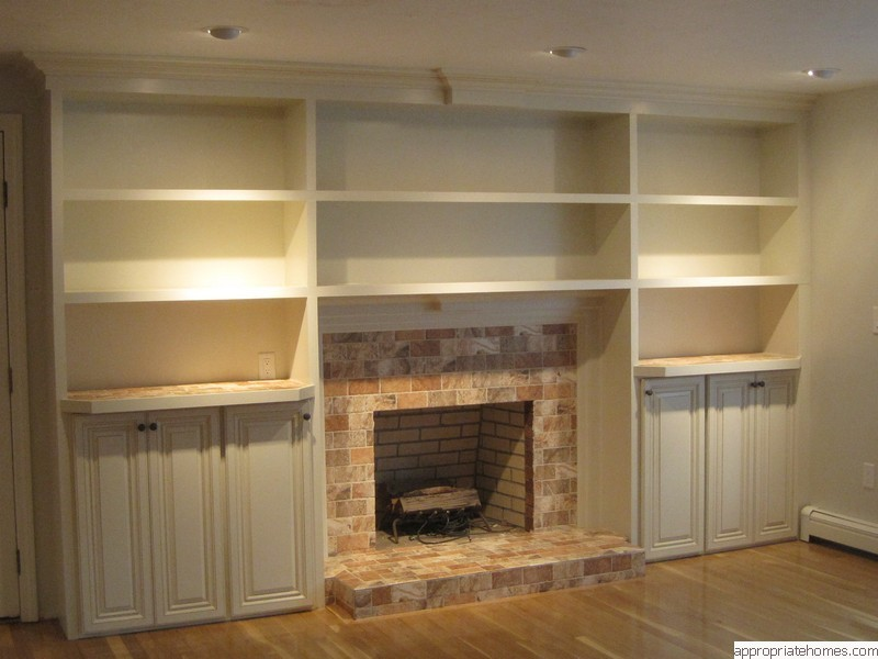 bookshelves-around-fireplace
