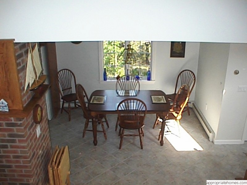 dining-room-tile-floor