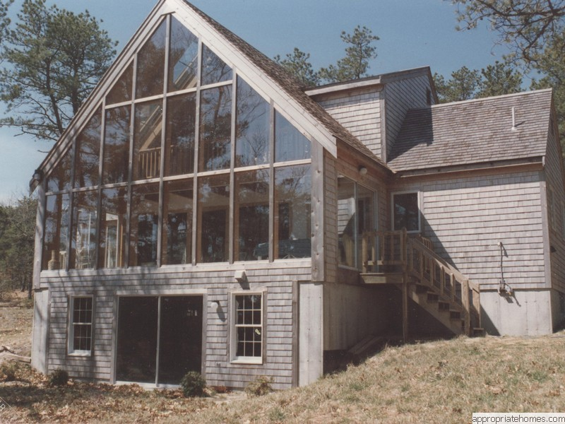 gable-sunroom-with-walk-out