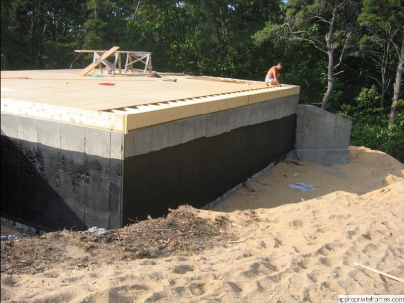Eastham-tarred-foundation-2x10-floor-joists