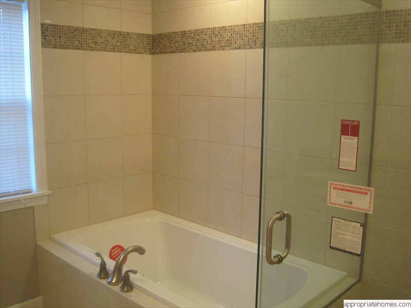 Truro-bathroomremodelglassshowerdoors