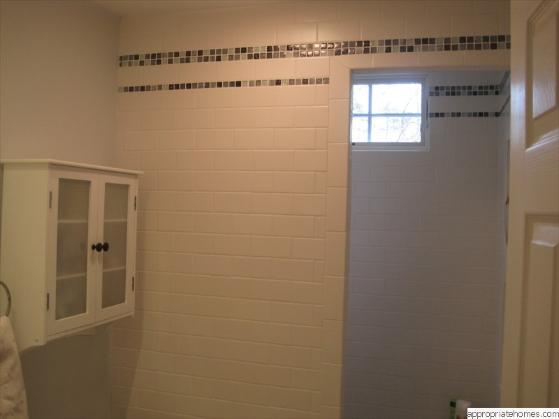 Truro-bathroomremodelwindowinshower