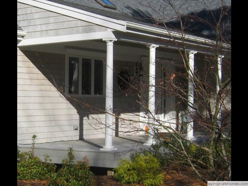 Truro-deck-with-columns-for-porch-riif