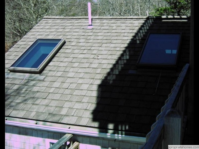 roof-with-skylights
