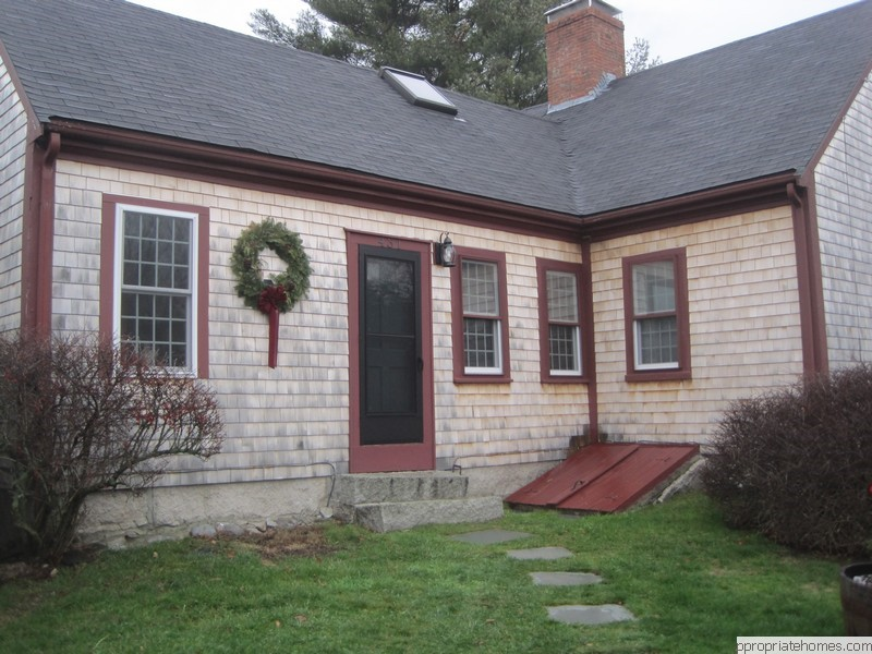 Brewster- Siding-contractor-white-cedar-shingles