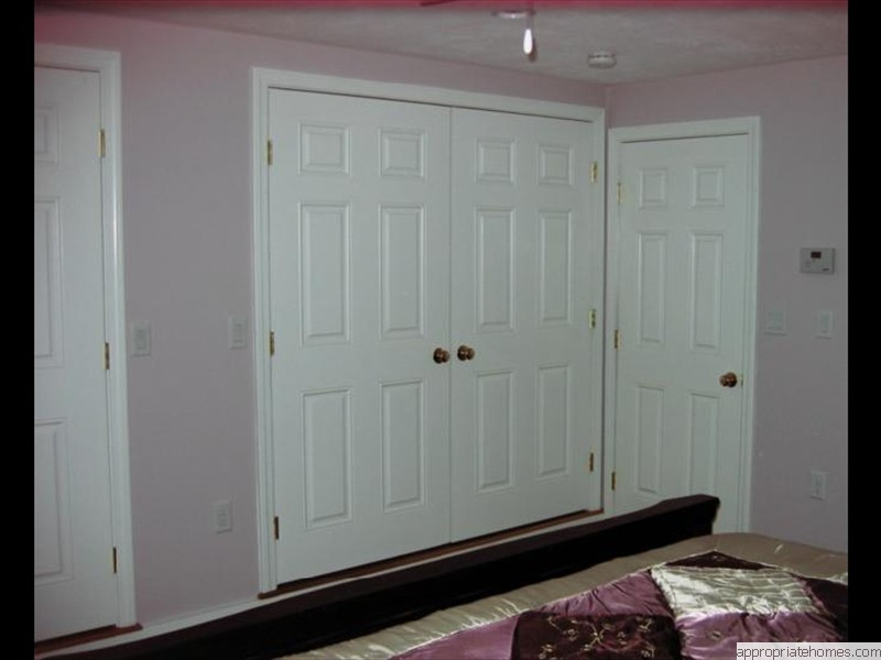 Harwich-interior-painting-molded-doors